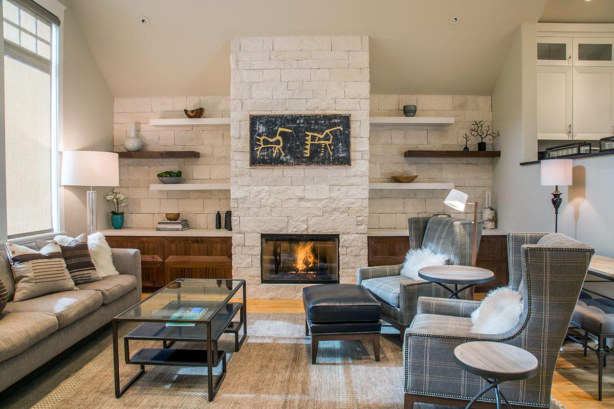 hidden-gem-livingroom